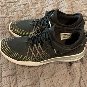 Women's Nike Free TR7 MTLC Training Sneaker sz 10